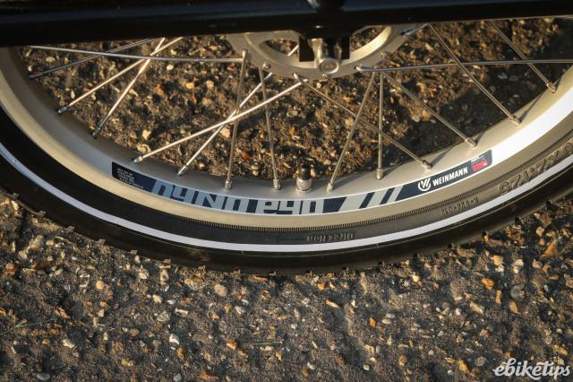Babboe Dog-E 14 - Dear Dutch bike makers, please stop using Woods valves.jpg