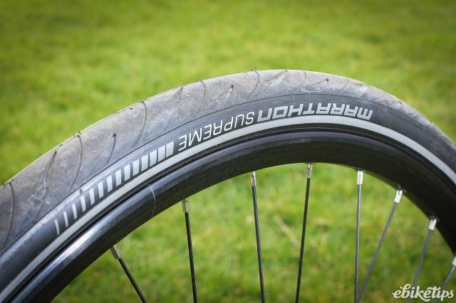 EBCO USR-75 - tyre.jpg