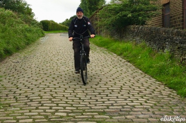 Getting back in the saddle part 2 - DESCENDING THE MUUR DE GLOSSOP.jpg