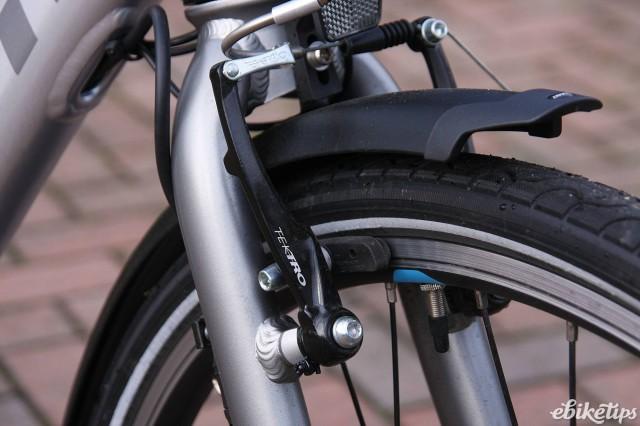 Giant Ease E Plus - brakes.jpg