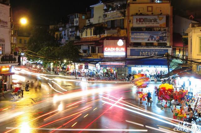 Hanoi traffic (CC licensed via Flickr).jpg