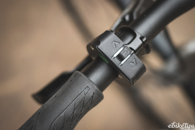 Isla bikes e-Janis - remote.jpg