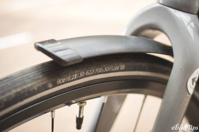 Isla bikes e-Janis - tyre and mudguard.jpg