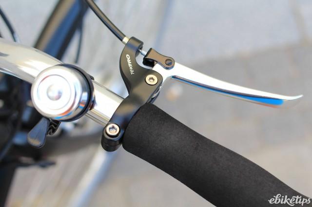 Momentum Upstart - brake lever.jpg
