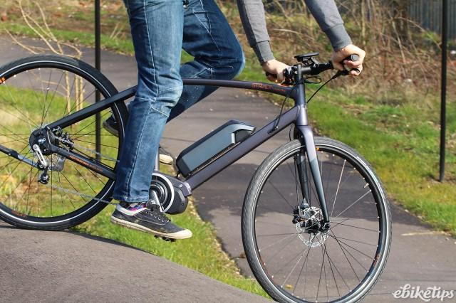 Raleigh Strada E - riding 2.jpg
