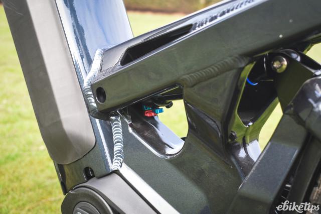 Riese & Muller Homage GX 2021 - rear shock.jpg