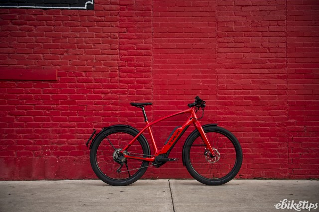 Trek Super Commuter+ lifestyle 1.jpg