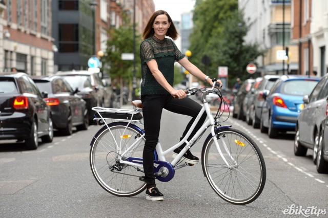 Victoria Pendleton with e-bike