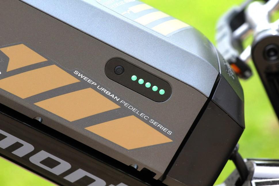 Bergamont Sweep N8 Di2 - battery detail-1.jpg
