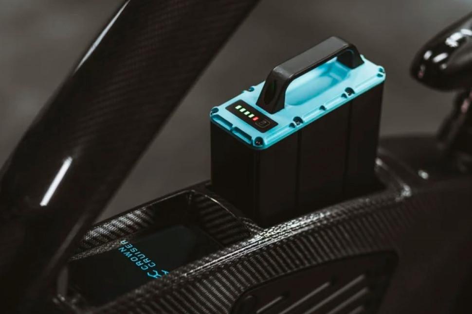 CrownCruiser 電池.jpg