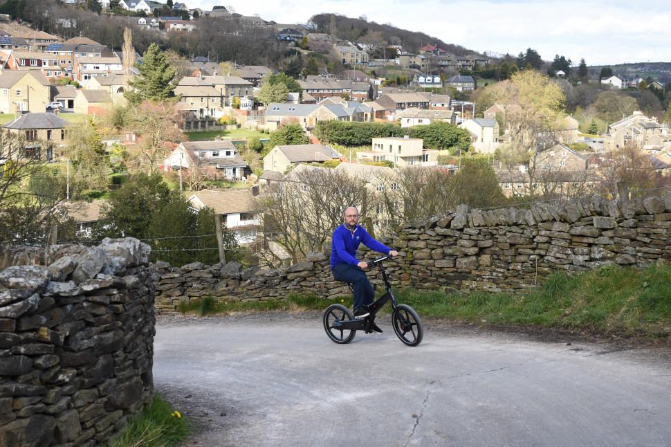 GoCycle G4i - riding 2.jpg