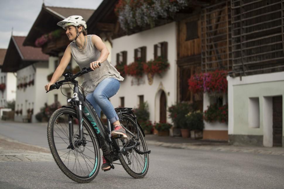 Liv Amiti E+ ride19.JPG