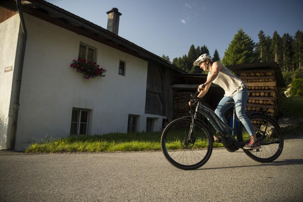 Liv Amiti E+ ride6.JPG