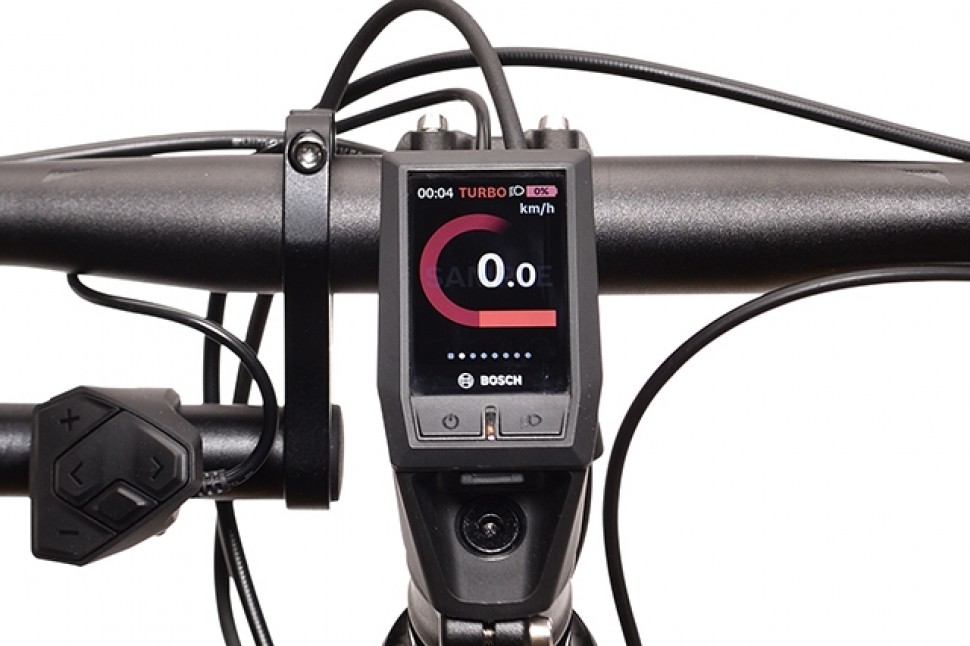 Vue-detaillee-ecran-Kiox-velo-electrique-course-Peugeot-eR02-Ultegra-Powertube-1.jpg